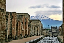 The volcano at the back is the one that buried Pompei
