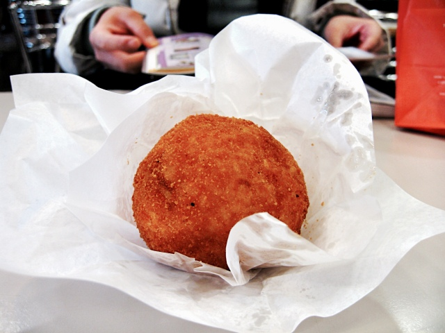 Arancine, one of the best traditional Sicilian food. So Yumm~~~