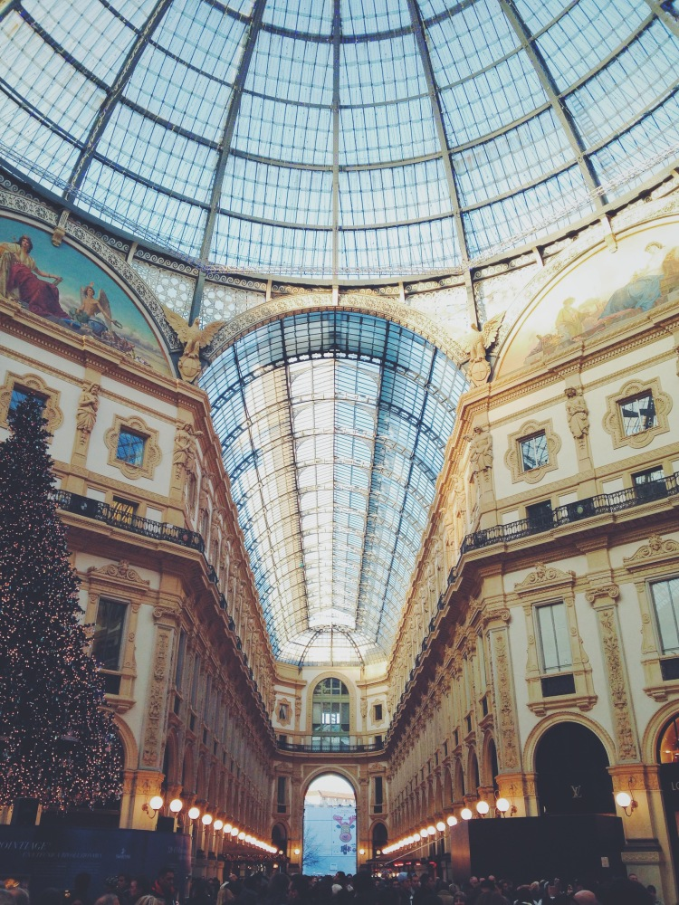 The symmetry architecture GALLERIA in the city center of Milan