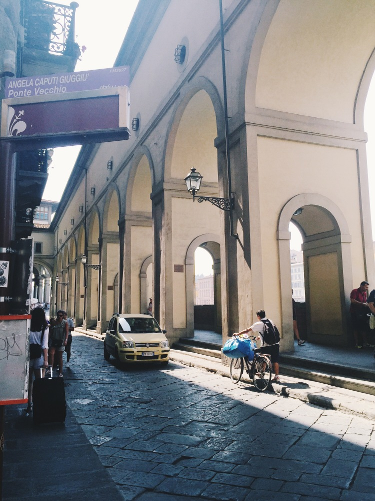 C3 stops right at the Ponte Vecchio, which is very convenient for tourists